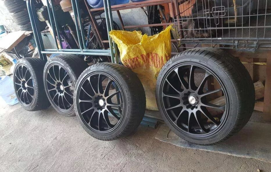 18's Mags with Tires